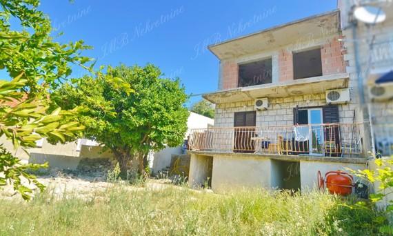 Dvojna kuća cca 140 m2 pogled more, mogućnost nadogradnje