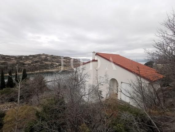 Senj kuća prvi red do mora